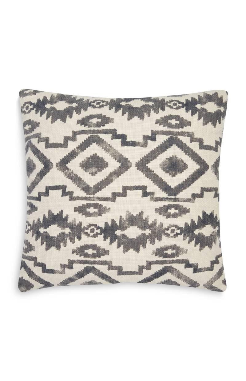 Primark_SS18_homeware_Ornament Square Cushion Charcoal, £7 €10