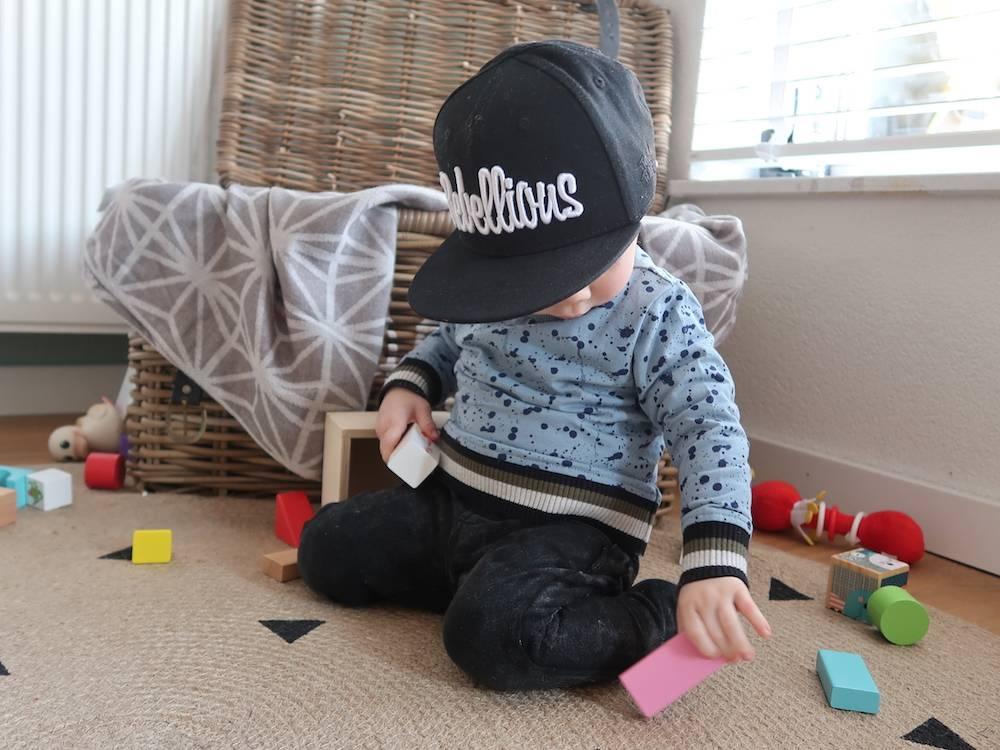 Items van Flinders voor de speelhoek & Maddox' kamer