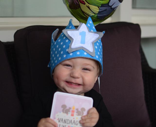 feestmuts 1 jaar HOERA! Skyler is 1 jaar! • Mommyhood feestmuts 1 jaar