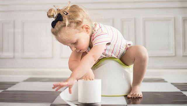 Kind Op Toilet.Hoera Voor Het Toilet Mommyhood