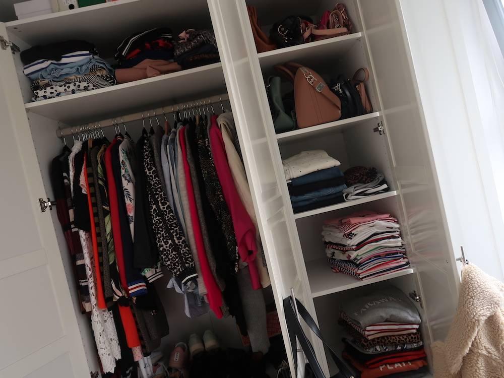 Project kledingkast: minderen in stukken