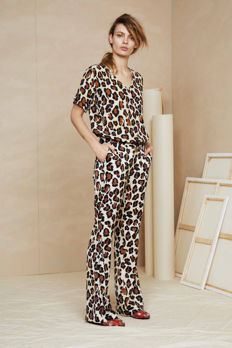 trousers1712_FC_FW18_Col_130_010-768x1152