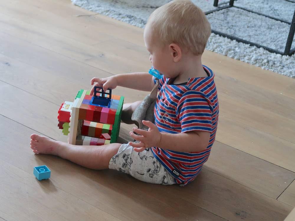 Help, mijn kind kan niet zelf spelen!