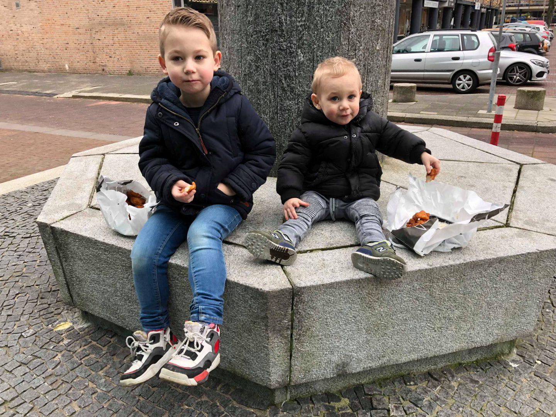 De jongens en hun eigen kledingkeuze