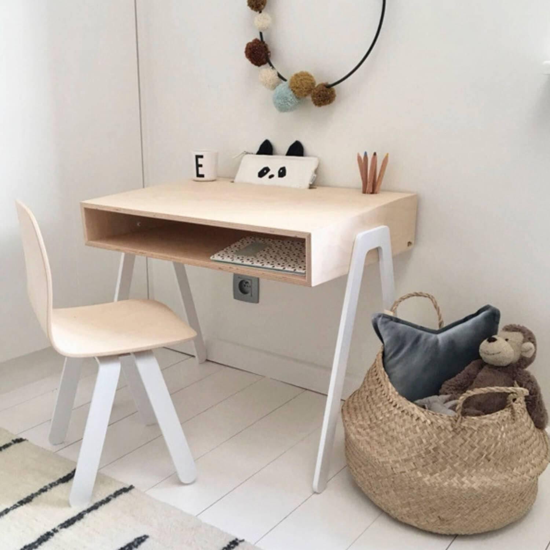 multiplex-bureau-voor-kinderen-met-stoel-wit