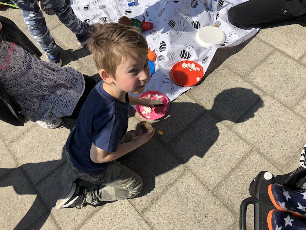 Plog donderdag: playdate, Pasen & bakken