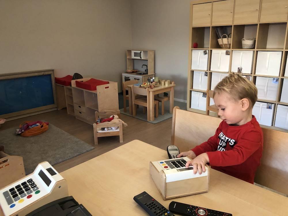 Montessori vs het reguliere onderwijs