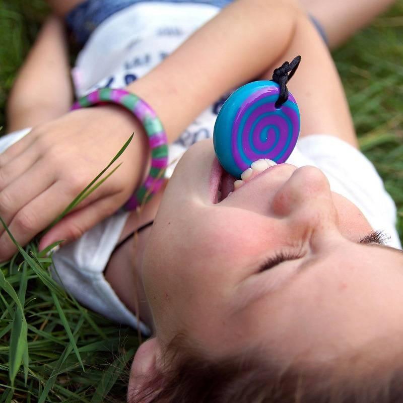 Kauwsieraden voor een betere concentratie en ontspanning bij kinderen