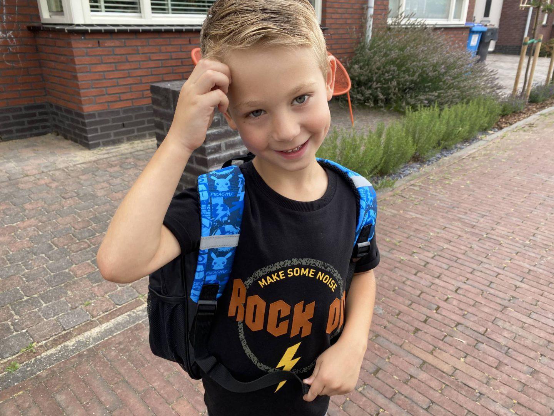 Terug naar school: Skyler is begonnen in groep 4!
