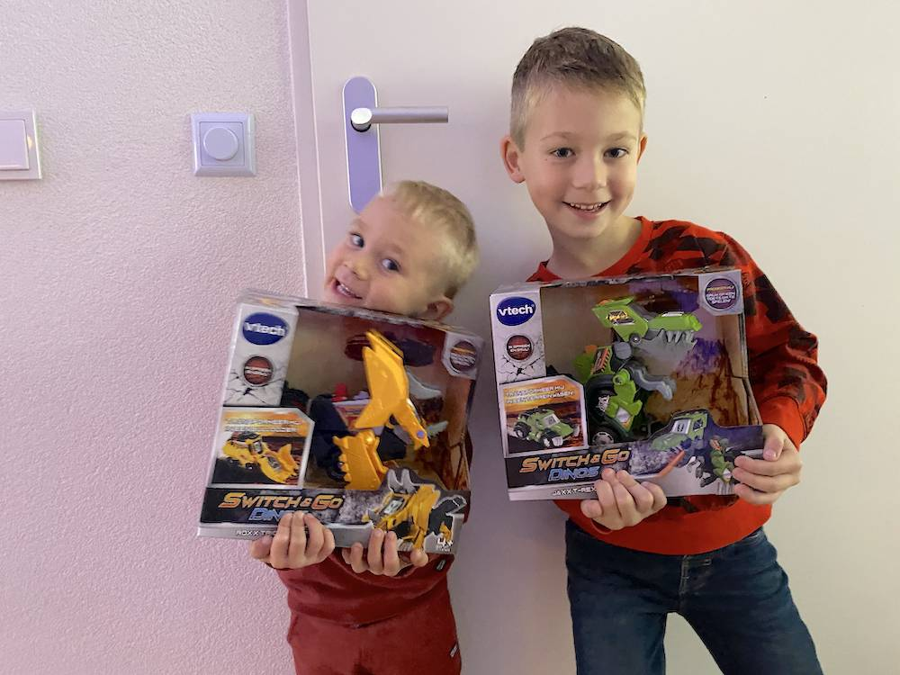 Het nieuwe favoriete speelgoed van de jongens: Switch & Go Dino's