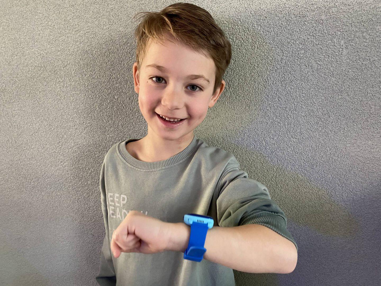 Geen mobiel maar een horloge van One2track voor Skyler (kortingscode voor jullie)