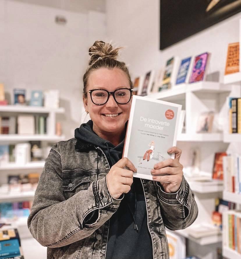 Mijn boek ligt een maand in de winkels!